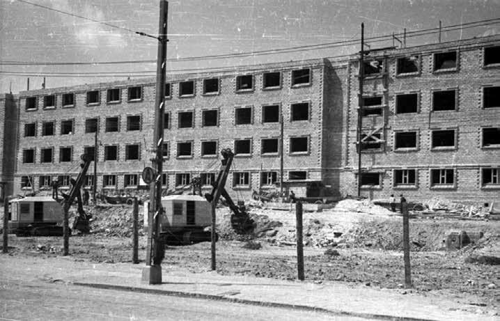 La reconstruction du quartier de Muranow, 1949. © PAP (agence polonaise de presse), archives de l'Institut historique juif (ŻIH)