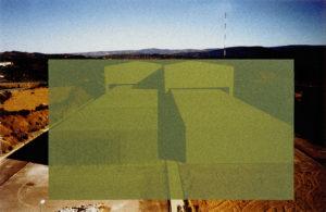 Fig. 18 Cécile Massart, Camouflage III, Site d'El Cabril, Espagne. Sérigraphie sur photo, 100x75 cm, 1999 et 2001. ©Cécile Massart